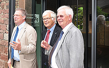 Official opening: The three Kurtz brothers Rainer, Walter and Bernhard (l. to r.) opening the Kurtz Ersa HAMMERMUSEUM